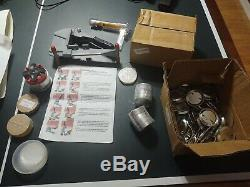 2 1/4 inch Pin Maker Badge Press Kit Holland with150 2.25 Buttons, cutter blade