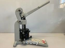 Button Maker Badge-A-Matic MACHINE BADGE-A-MINIT Model 684 with 2-1/4 Buttons