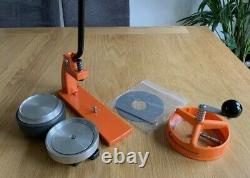 EnterpriseMicroBadge Button Maker Machine 77mm 3 inch withcomponents(AS IS-READ)