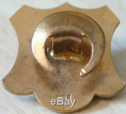 THE FOOTBALL ASSOCIATION 1947 STEWARD Badge Maker J&T Co Button hole 29mm x 30mm