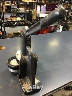 Vintage Iron Badge and Button Maker Machine/Button Making