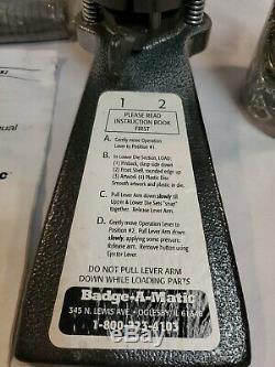 Badge A Matic Appuyez Sur Le Bouton Maker Outil De Presse Badge-a-minit Made In USA