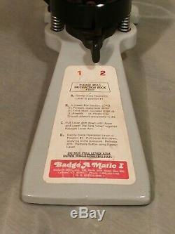 Badge A Minit Badge A Matic 2 1/4 Machine Presse Pin Fabricant De Bouton Avec Coupe