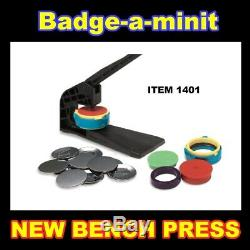 Badge A Minit Minute 2 1/4 Bouton Insigne Maker Banc Et Pièces De Plus De 119 $ Au Détail