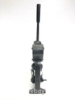 Badge-a-matic 1 Bouton Machine 2.25 Presse Manuelle Avec Cutter Bonus Circle