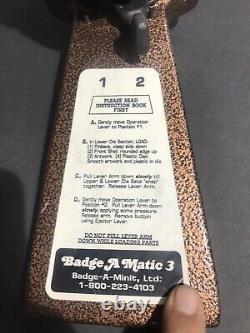 Badge-a-minit 3 Bouton Maker Badge-a-matic Machine