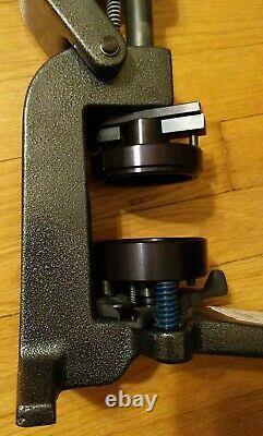 Bouton Maker Badge A Matic Machine Badge A Minit 2-1/4 Appuyez Uniquement