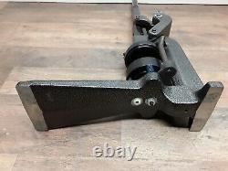 Insigne A Matic Button Maker Machine 2-1/4 Insigne A Minit