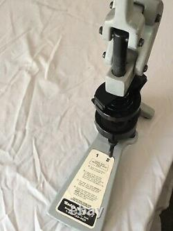 Insigne-a-matic 1 Machine De Fabrication De Boutons 2-1/4 Pouce 2.25 Insigne-a-minit Presse Manuelle