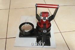 Qlt Bp-200 Boutonnier D'insigne Machine Presse Rare
