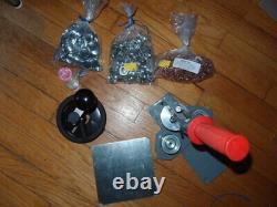 Tecre 100 1 Pin Badge Button Maker Machine, Coupeur De Cercle, Fournit 500 Broches