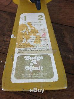 Vintage Badge-a-minit Appuyez Sur Le Bouton Machine Maker Jaune # Wh-7