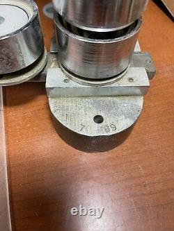 Wbt & MC Badge Button Maker Machine 2 Fer À Roulettes Robuste