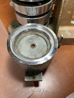 Wbt & MC Badge Button Maker Machine 3 Fer À Roulettes Robuste